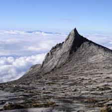 Mount Kinabalu Moutain to Visit in Malaysia