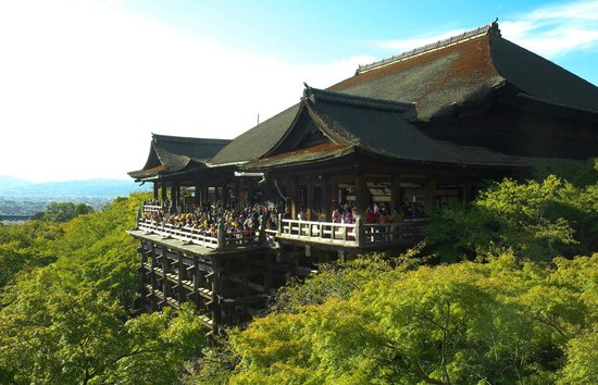 Kiyomizu-Dera  temple to visit Japan